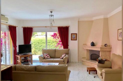 Nice 3 Bedroom Villa For Sale Location Lapta ekmek firin Girne North Cyprus (KKTC)