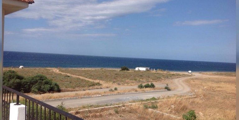 Sea Front 2 Bedroom Apartment For Rent Location Lapta Coastal Walkway (Lapta Yuruyus Yolu) Girne (Communal Swimming Pool) North Cyprus (KKTC)