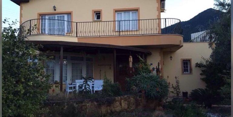 Nice 4 Bedroom Villa For Rent Location Lapta Girne North Cyprus (KKTC)(Communal Swimming Pool)