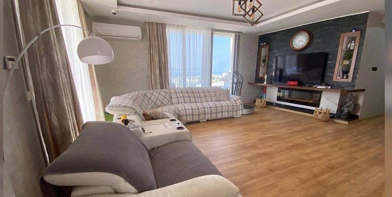 A Stunning 3 Bedroom Penthouse with breathtaking/panoramic views Location Behind Mr Pound Baris Park Girne (For Rent) North Cyprus (KKTC)